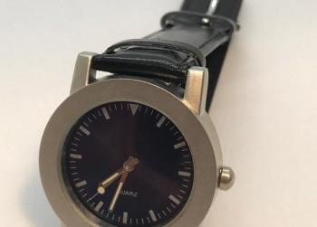 Leuk Quartz horloge Groot display :)