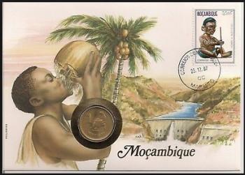 Eestedags postzegel + Munt Mozambique verzameling