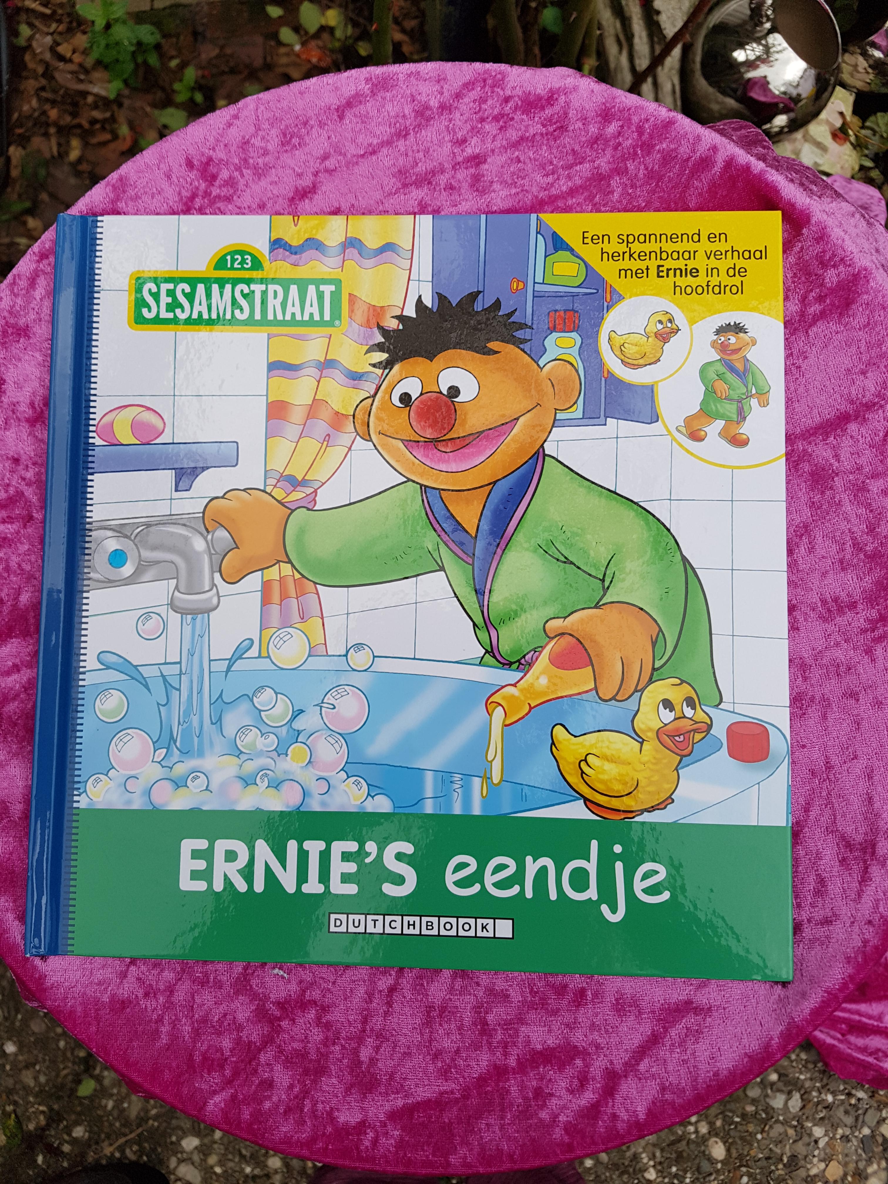 bc3448eecb2 Sesamstraat Boek Ernie en zijn eendje | JouwVeilingen.nl webshop